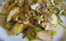 Ecco la ricetta della caponata di carciofi in bianco