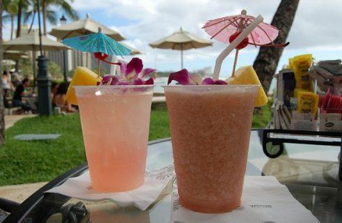 Cocktail alcolici alla frutta, ecco 5 ricette per l'aperitivo leggero