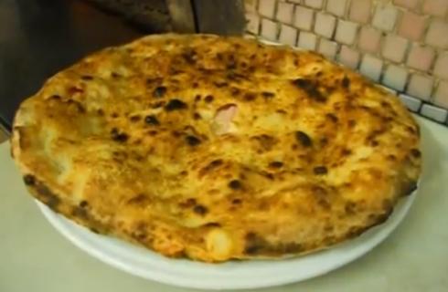 La pizza parigina, una ricetta diventata un classico napoletano