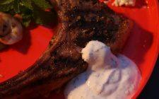 La ricetta della salsa allo yogurt per carne e kebab