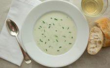 La ricetta della minestra fredda di cetrioli, gustosa e rinfrescante