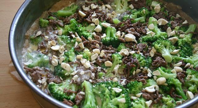 Torta salata di broccoli e salsiccia, ecco la ricetta gustosa