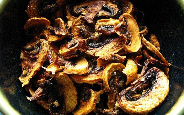 La ricetta dei funghi sott'olio e come evitare il rischio botulino