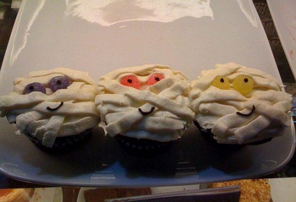 La ricetta delle mummie per Halloween un dolce per spaventare tutti