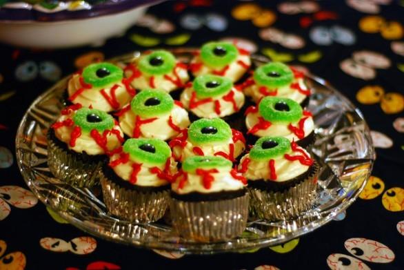 Ecco la ricetta degli occhi di Halloween, dolcetti paurosi