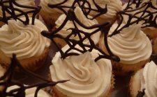 La ricetta di Halloween delle ragnatele: ecco come farle in cioccolato, biscotto o caramello