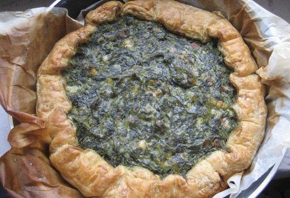 La ricetta della torta salata con patate e spinaci