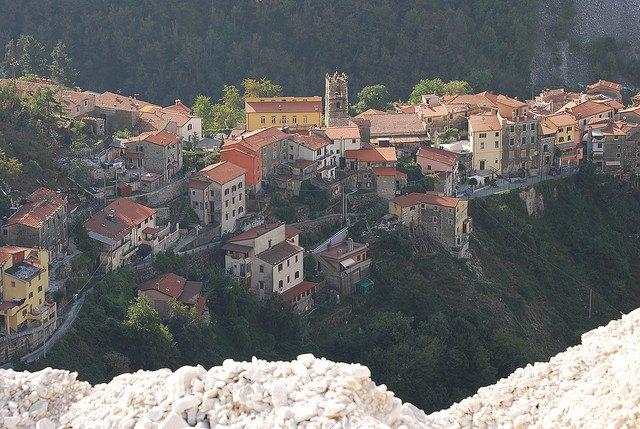 Una vista di Colonnata, in provincia di Massa-Carrara