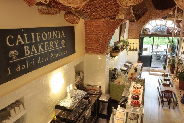 Location Piazza S. Eustorgio, California Bakery_2