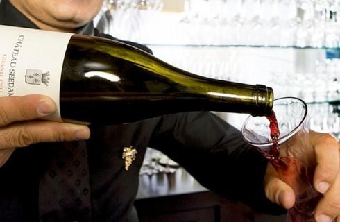 Caro sommelier, la bottiglia è mia e la gestisco io