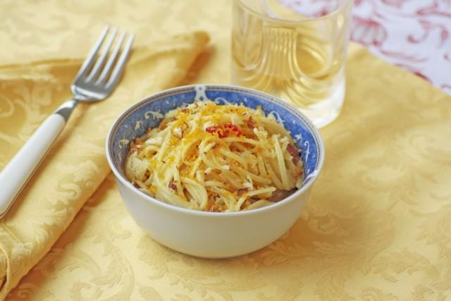 Gli spaghetti con bottarga sono pronti