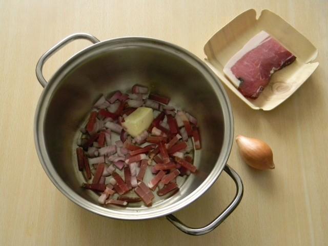 Soffritto per il risotto al radicchio