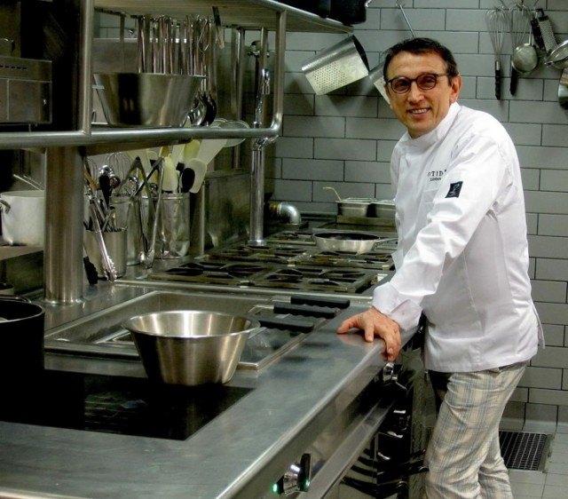 Bruno Barbieri nella cucina del Cotidie