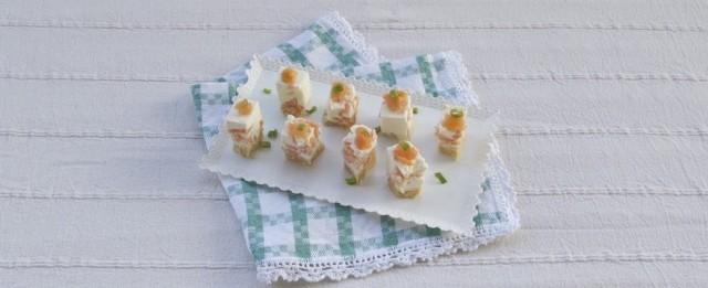 La cheesecake salata al salmone è pronta