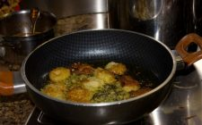 Le frittelle semplici e veloci nella versione dolce o salata