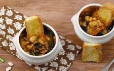 Zuppa di fagioli e cavolo nero.