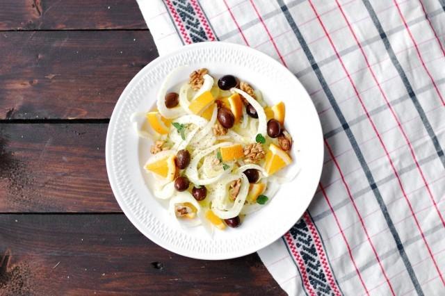 L'insalata di finocchi e olive taggiasche è pronta