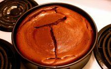 La ricetta della ricotta al forno al cioccolato per un dolce semplice