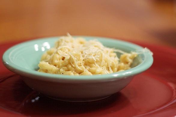 Come fare il risotto in bianco mantecato con burro e parmigiano