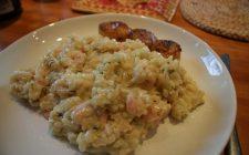 Risotto rucola e gamberetti, la ricetta del primo piatto sfizioso