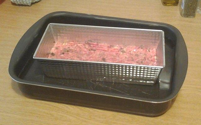 Terrina di carne pronta da cuocere