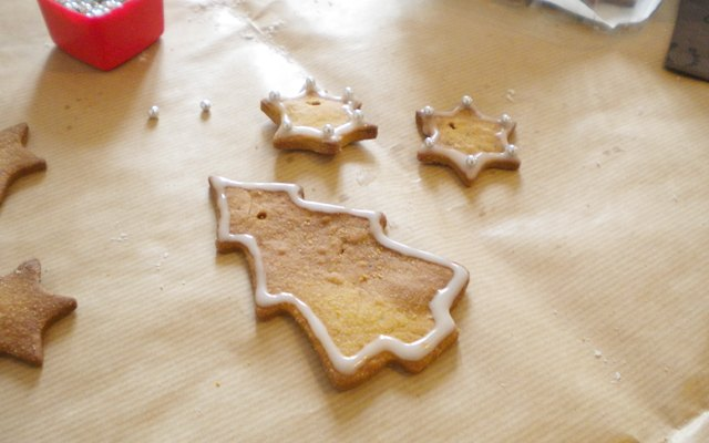 Biscotti speziati glassati