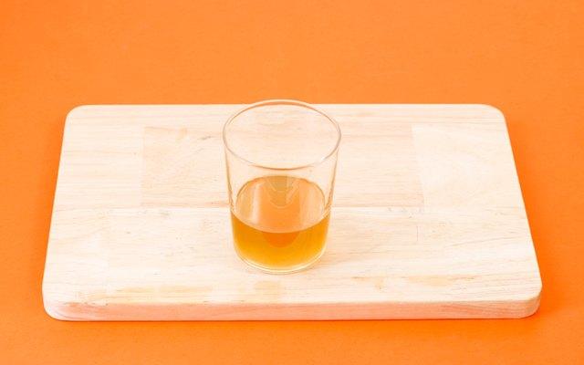 La vinaigrette agrodolce a base di zucchero e aceto di vino