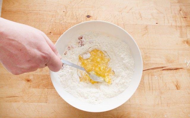 Sbattere le uova senza amalgamare