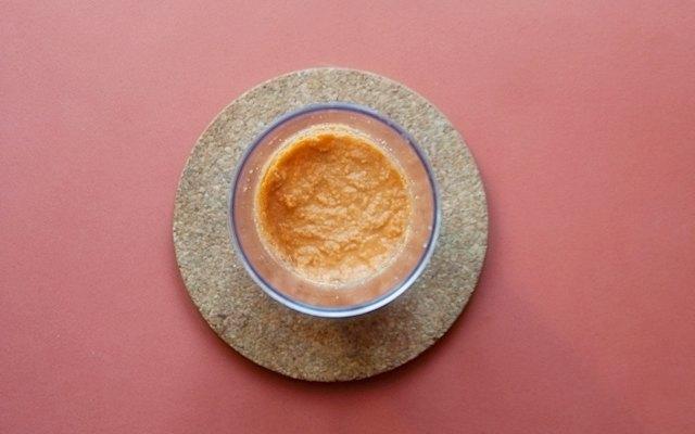 La salsa di pomodoro e mandorle