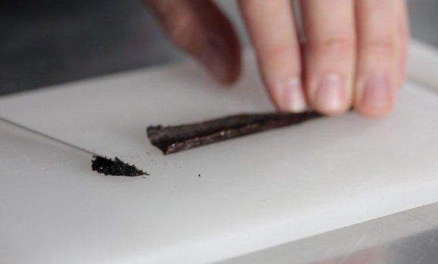 L'incisione del baccello di vaniglia