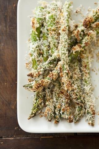 Asparagi al forno gratinati