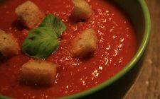 Come fare la zuppa al pomodoro per una calda minestra autunnale