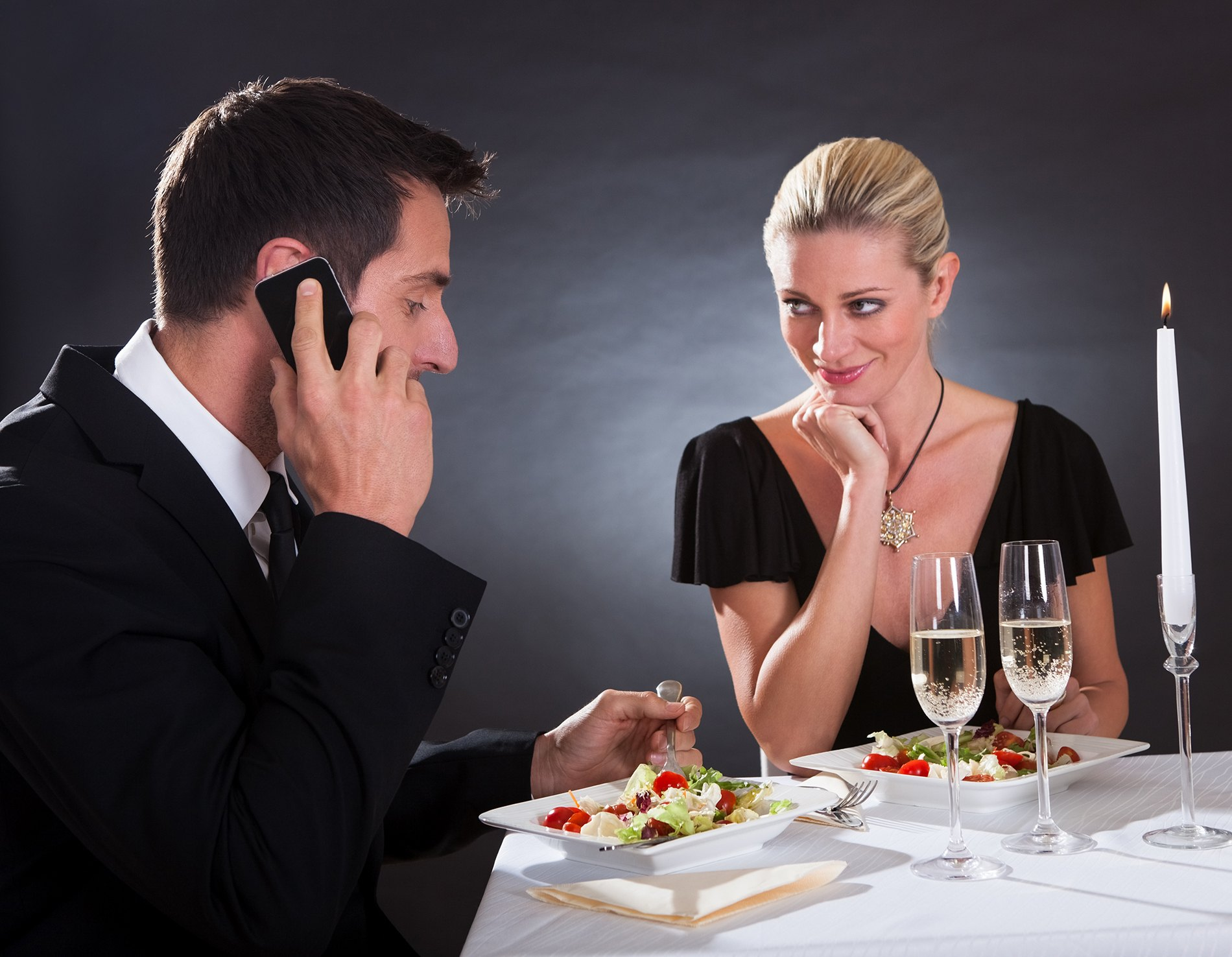 Galateo 34 regole da seguire a tavola agrodolce - Regole del galateo a tavola ...