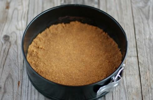 La base della cheesecake al cioccolato