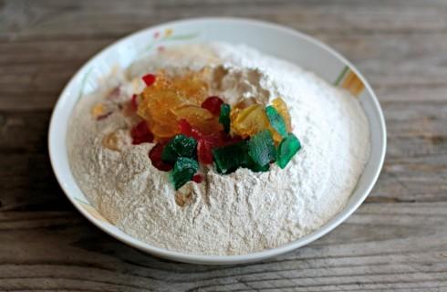 Il mix di farine del plum cake senza glutine