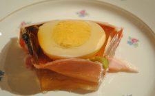 Aspic di pollo e verdure con la ricetta per stupire tutti