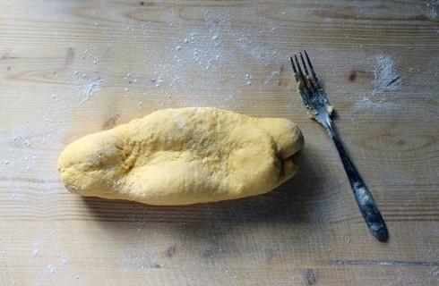 La lavorazione della pasta all'uovo