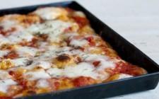 Pizza in teglia: impasto e condimento