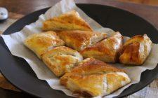I fagottini di pere e cioccolato, la ricetta del dolce facile