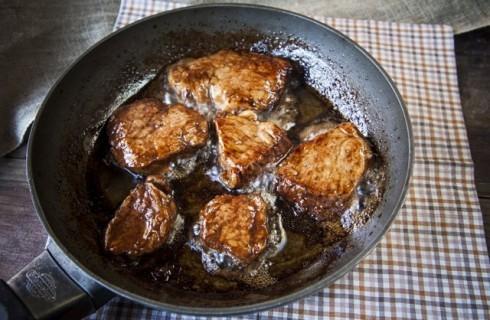 Il filetto di maiale in cottura