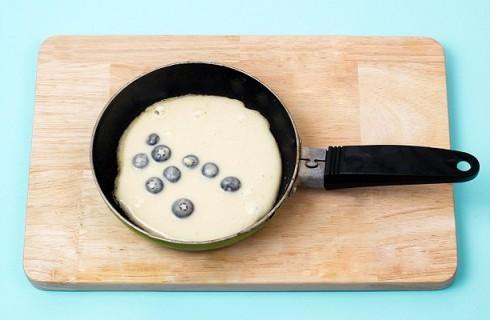 I pancake ai mirtilli in cottura