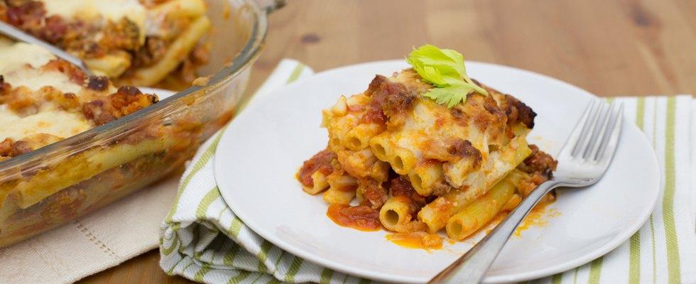 Lasagna di ziti con verdure e salsiccia