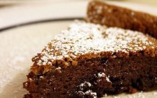 La ricetta della torta al cioccolato senza lievito per intolleranti