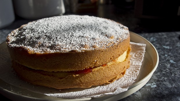 Torta morbida alla marmellata, ecco la ricetta del dolce facile