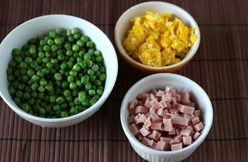 Gli ingredienti del riso alla cantonese