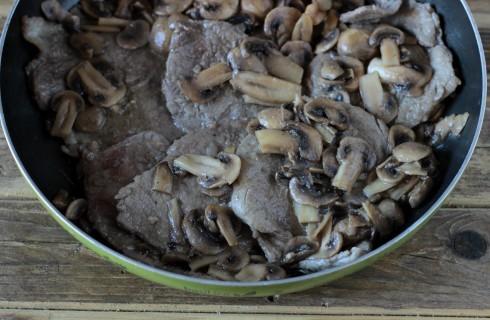Le scaloppine unite ai funghi