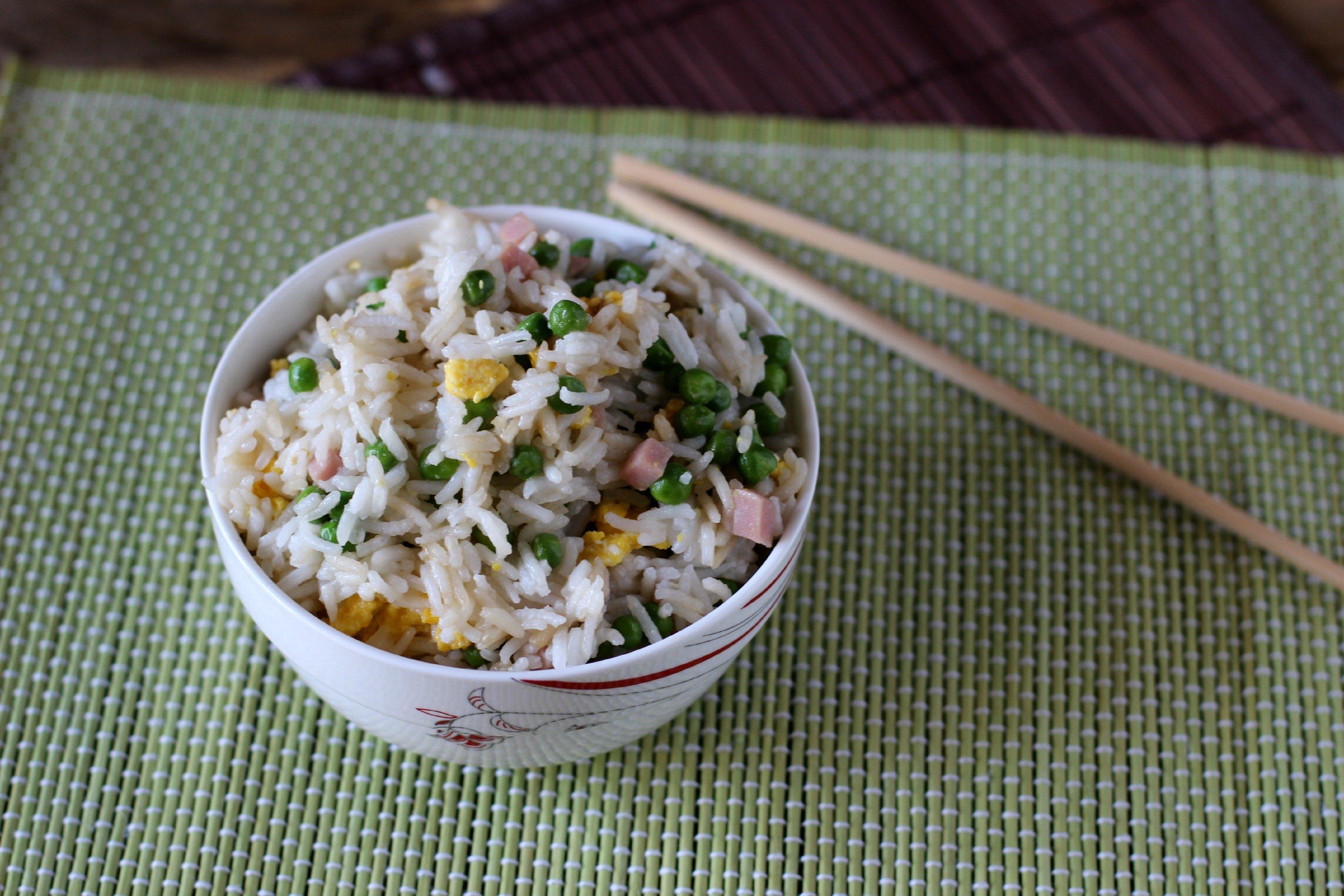 Riso alla cantonese ricetta originale agrodolce for Piatti cinesi mangiati in italia