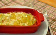 I cardi gratinati al forno con formaggio con la ricetta facile