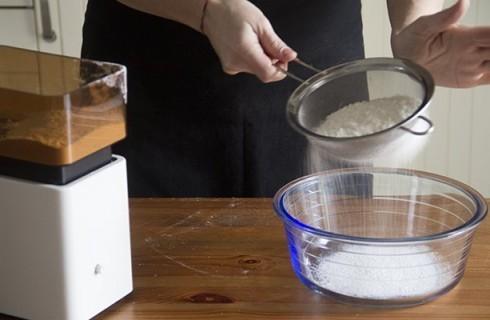 La farina passata al setaccio