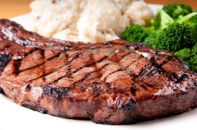 Bistecca nel piatto